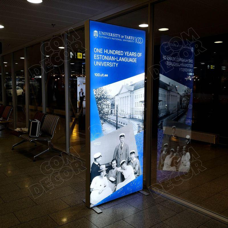 Valguskast / valgusreklaam lennujaamas